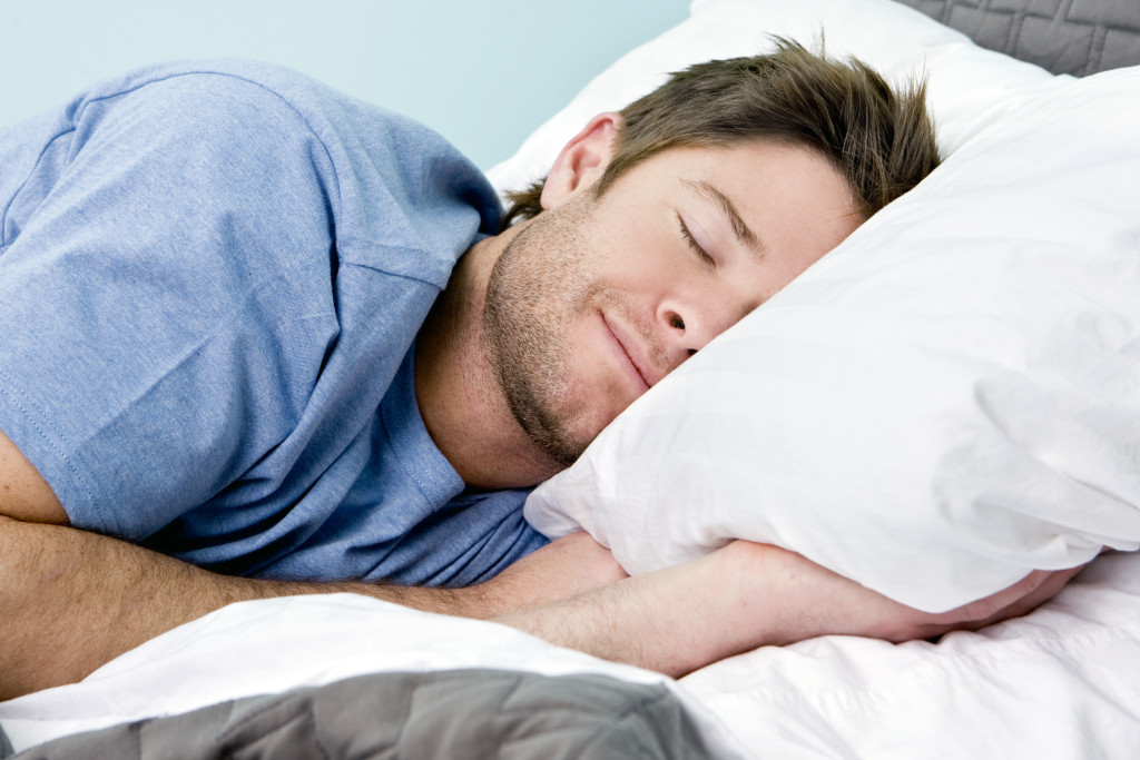 bigstock-Man-comfortably-sleeping-in-hi-15694625-1024x683