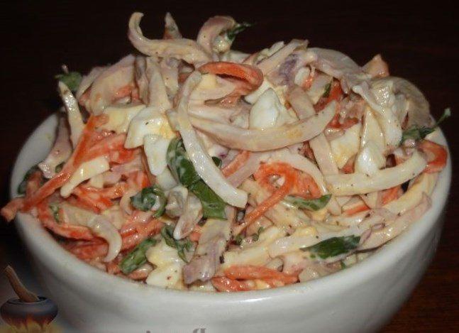ПП-салат к ужину с кальмаром, яйцом и корейской морковью